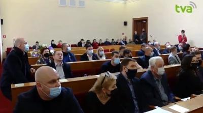 У Чернівцях обласна рада продовжила сесію, зірвану напередодні через «замінування»