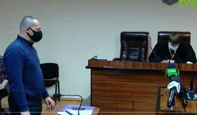 «Рідне місто» оскаржує проведення першої сесії Чернівецької міськради: пряма трансляція із суду