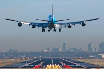 Нідерланди не прийматимуть літаки з Великої Британії через новий штам COVID-19