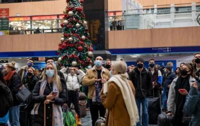 ЗМІ: ЄС закриє пасажирське сполучення з Британією через новий штам COVID-19