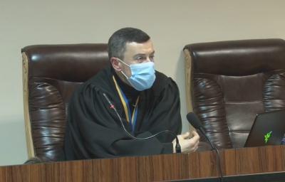 Суд зобов'язав Чернівецьку ТВК до ранку вівторка надати протоколи з результатами виборів