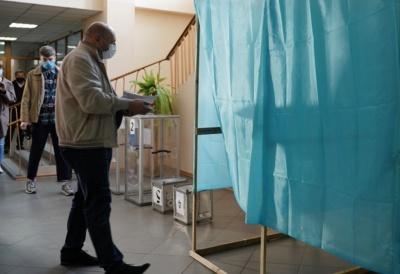 Голосував замість дружини: на Буковині виборця і члена ДВК засудили на 3 роки
