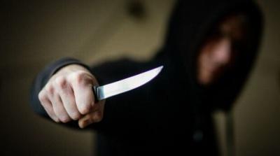 Погрожував із ножем в руках: буковинцю повідомили про підозру