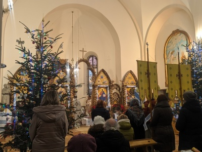 Свята літургія: у Чернівцях католики та греко-католики святкують Різдво - фото