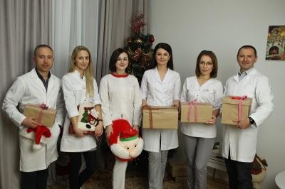 Подаруйте близьким здоров'я! У медичному центрі «Базисмед» підготували варіанти подарунків вашим рідним!*
