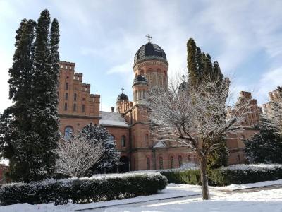 Чому варто приїхати в Чернівці на Новий рік і Різдво: ЗМІ розповіли про особливості міста