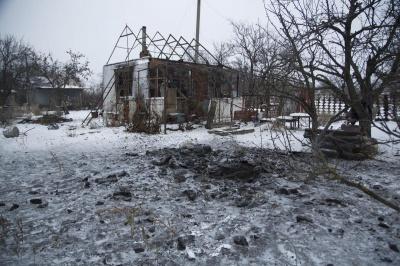 На Донбасі бойовики з мінометів обстріляли приватний сектор Водяного - відео