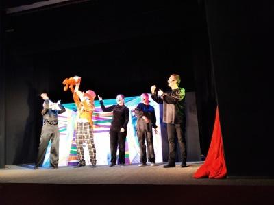 У театрі ляльок Чернівців відбулася «казкова» вистава – відео