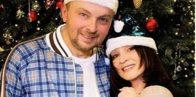 У розкішному особняку: співачка з Буковини відсвяткувала Новий рік з онуками і сином