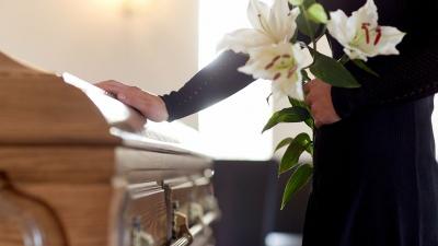 Пандемія COVID-19. У Каліфорнії похоронні бюро не встигають ховати жертв