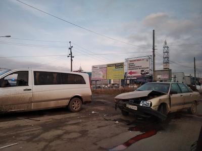 ДТП у Чернівцях: неподалік Калинки зіткнулися дві автівки - фото