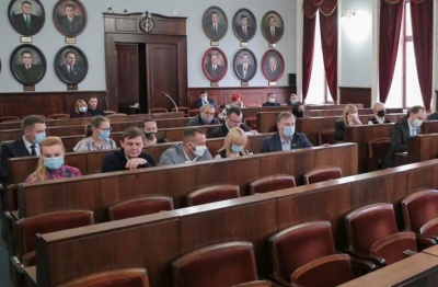 У Чернівцях «Команда Михайлішина» оскаржує першу сесію міськради: суд допитав свідків