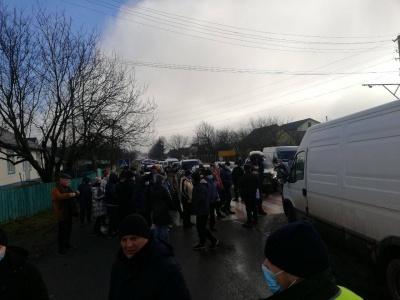 """""""Тарифний"""" протест докотився до ще одного села на Буковині - фото"""