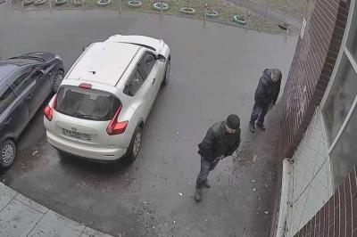 У Києві придумали, як боротися з любителями справити нужду під будинками – відео