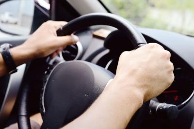 Неприємна новина для автомобілістів: з 1 січня змінилися суми зборів при реєстрації
