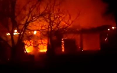 Пожежа на Буковині: згорів будинок, де мешкали люди із інвалідністю - відео