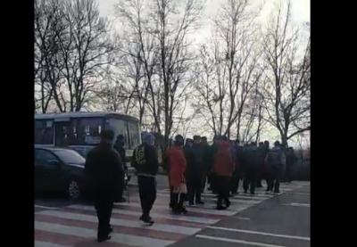 На Буковині ще одне село перекрило дорогу на Львів