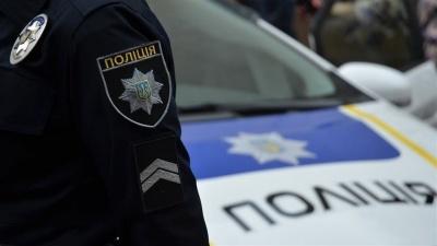 У Чернівцях дитині посеред вулиці стало зле: дівчинку врятувала поліція - відео