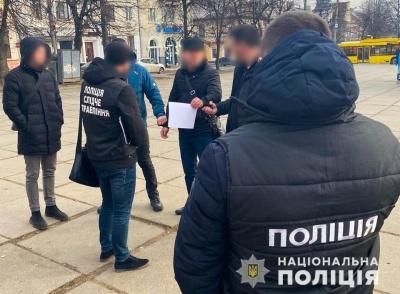 Хабар у Чернівцях: чиновнику загрожує 10 років тюрми