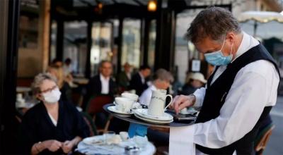 Коли в Україні відкриють кінотеатри і ресторани: в уряді назвали дату