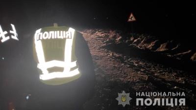 Трагічна аварія на Буковині: невідомий збив на смерть молоду жінку і втік з місця пригоди