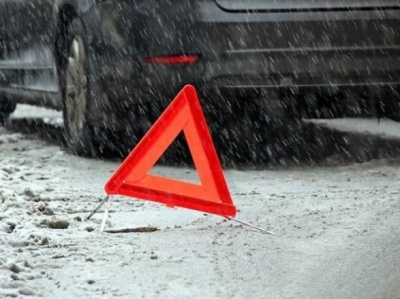 Потрійна ДТП у Чернівцях: в районі Фастівської ускладнено рух транспорту