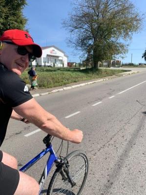 «Частіше буваю на велосипеді, ніж на ногах»: якими видами спорту займаються буковинські посадовці - фото