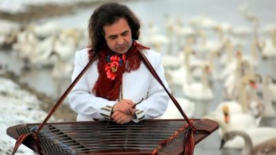 «Заграй, Іване, веселої!»: відомий цимбаліст із Чернівців відзначає 60-річний ювілей