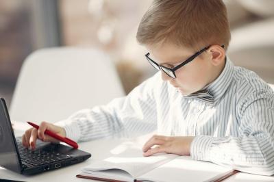 """Анекдот дня: про онлайн навчання та """"домашку"""""""