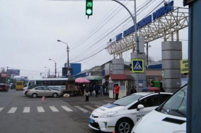 Кінець локдауну: коли в Чернівцях запрацює Калинівський ринок