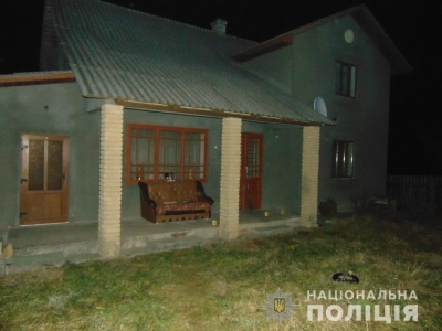 Жорстоке вбивство на Буковині: поліція знайшла чоловіка, який зарізав свого гостя
