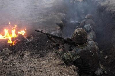 Бойовики на Донбасі поранили українського бійця, він у важкому стані