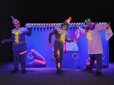 У театрі ляльок Чернівців – прем'єра вистави у стилі кіберпанку - фото