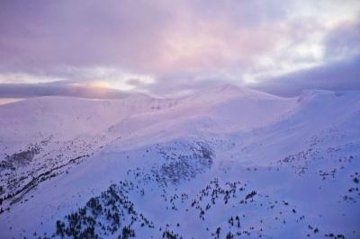 Значне погіршення погоди: буковинцям не радять іти в гори