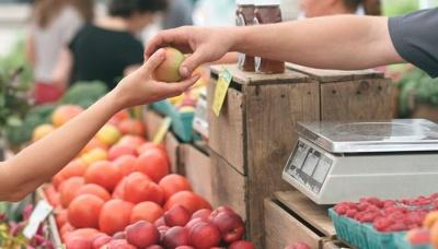 Чому в Україні різко зросли ціни на продукти: експерт пояснив причини