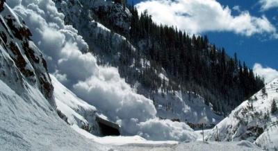 Значне погіршення погоди: буковинців просять утриматися від походів у Карпати