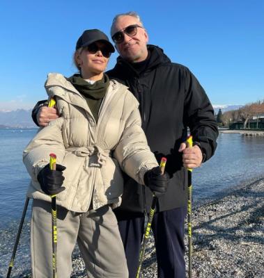 Віра Брежнєва показала, як з чоловіком займається спортом