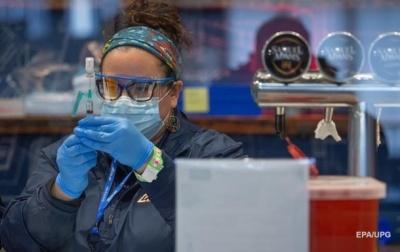 Лікар розповів, для кого вакцина може стати великим навантаженням на організм