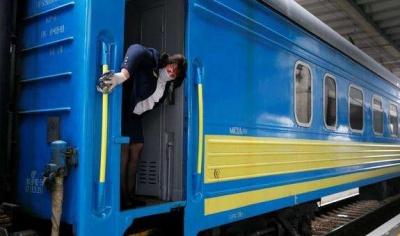 Потяг «Чернівці–Київ» від сьогодні курсуватиме лише тричі на тиждень: назвали причину