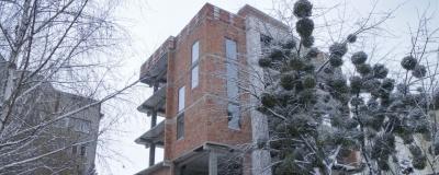 Замість п'яти поверхів - один: у Чернівцях мають знести частину незаконно збудованого будинку