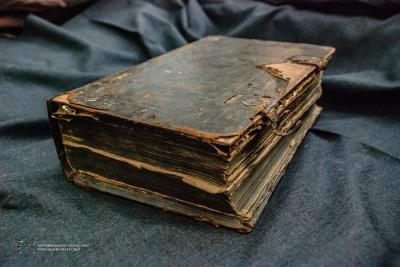 У Чернівцях у музеї зберігається рідкісний стародрук - фото