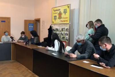 Скандал у Чернівецькій ТВК: комісія хоче зареєструвати нових депутатів, але не Продана з Михайлішиним