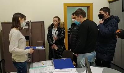 Продан з Михайлішиним досі не стали депутатами: засідання Чернівецької ТВК не відбулося
