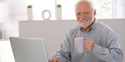 Пенсіонер поскаржився на повільний інтернет через оголошення в газеті