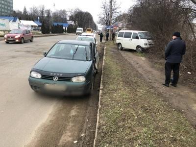 ДТП на «Кварці»: легковик постраждав через неввімкнений «поворот» - фото
