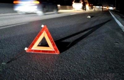 Потрійна ДТП у Чернівцях: на Калинівському ринку КІА влетіла у дві автівки, що стояли на світлофорі