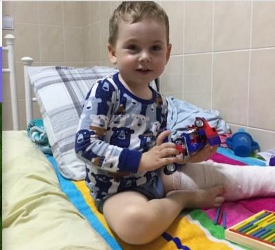 Буковинців просять допомогти важкохворому хлопчикові