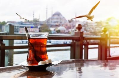 У Туреччині чоловік купив слину хворого на COVID-19 і підливав її начальнику в чай