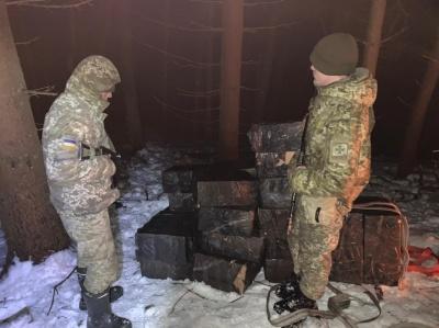 Зупиняли пострілами: на Буковині прикордонники затримали контрабандистів