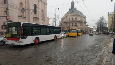 У ратуші відреагували на «транспортний» пікет у центрі Чернівців: як вирішити проблему